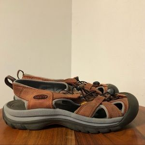 Keen Leather Sandal Size 8